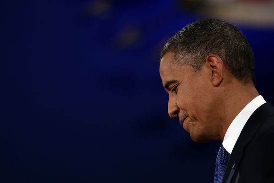 photo of Obama grimacing and looking downward during first debate